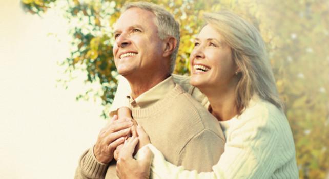 Официально трудоустроенные пенсионеры могут рассчитывать на ипотеку до 75 лет, на момент погашения кредита