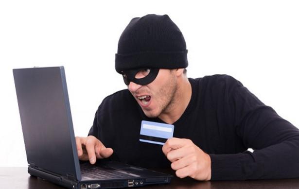 Новый вид мошенничества с банковскими картами Сбербанка через мобильный банк и через телефон