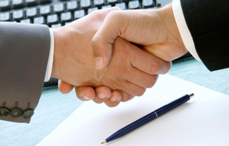 Изучение документа – важный и ответственный момент перед подписанием
