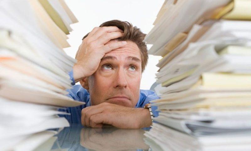 Для проведения процедуры пересмотра кредита, физическому лицу необходимо документально подтвердить по какой причине возникла сложность с оплатой