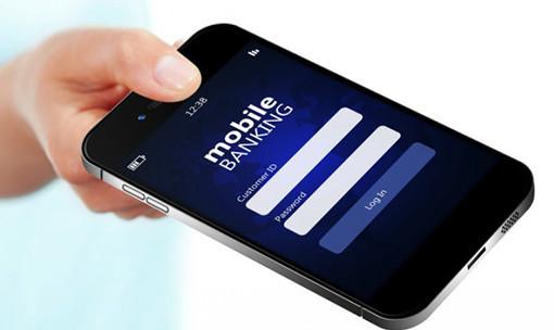 Любой банк, который предлагает владельцам банковских карт приложение мобильного банкинга на телефон, подойдет для оплаты Триколор ТВ