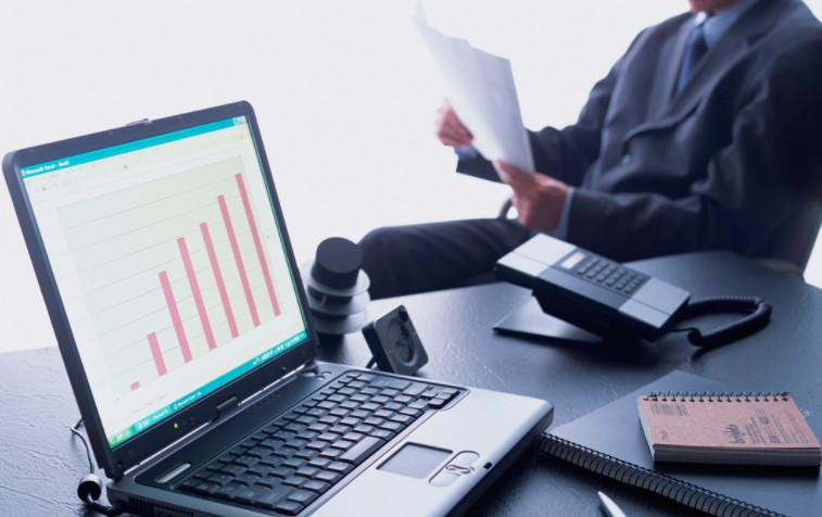 В случае, если заемщик решает воспользоваться услугами сторонних оценщиков, перед заключением договора необходимо запросить все копии разрешительных документов, а также лицензию и аккредитацию