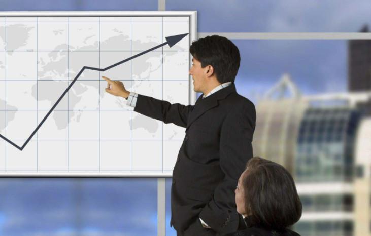 Без вложений свои силы на бирже можно попробовать во время обучения