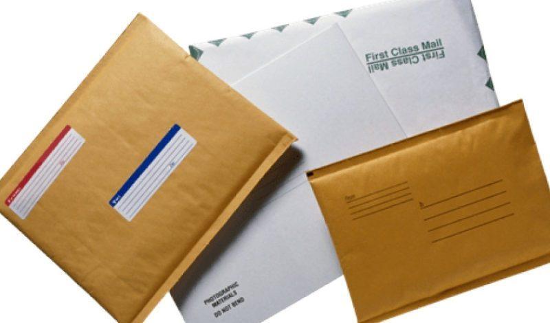 При отправке документов в налоговую заказным письмом, возврат затягивается. К тому же, если в пакете будет обнаружен недочет или ошибка, вас уведомят об этом через несколько недель, а то и месяцев.