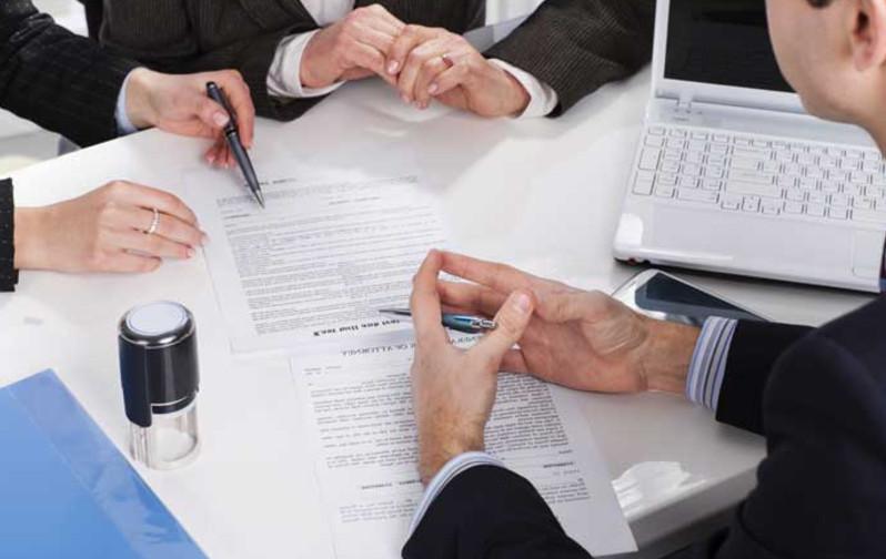 Удобно использовать банковскую ячейку в момент передачи денег при покупке квартиры. Это безопасно и для покупателя и для продавца.