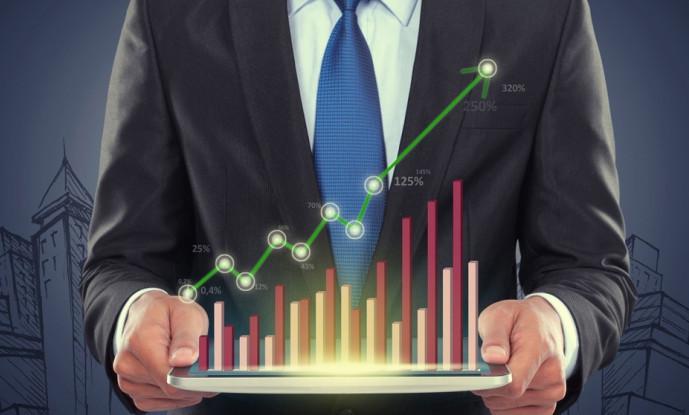 При отсутствии времени и знаний в области инвестирования, рекомендуется передать управление денежными средствами специалисту