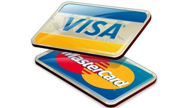Получить кредитную карту, можно только достигнув совершеннолетия, а также предоставив справку о наличии какого-либо дохода