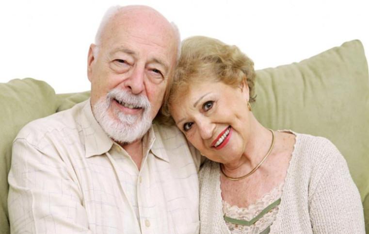 Одним из ключевых требований к заемщику является ограничение по возрасту: до 85 лет на момент погашения займа