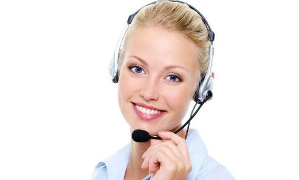 В случае, если под рукой нет интернета, можно сделать звонок на бесплатный телефон службы поддержки и запросить баланс у оператора. Потребуется сообщить номер карты и кодовое слово.