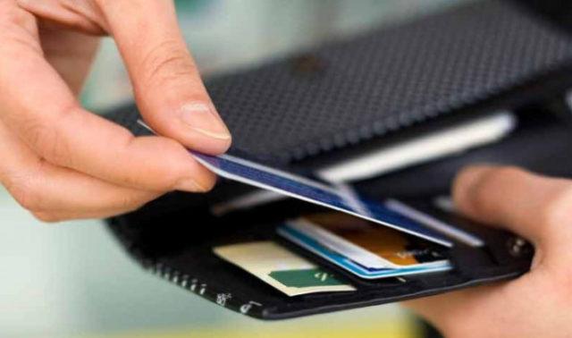 Как проверить баланс карты Сбербанка через интернет по номеру карты., через телефон по СМС на номер 900, и если не подключен мобильный банк
