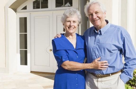 К стандартному пакету документов на оформлении субсидии, пенсионеру необходимо приложить копию пенсионного удостоверения