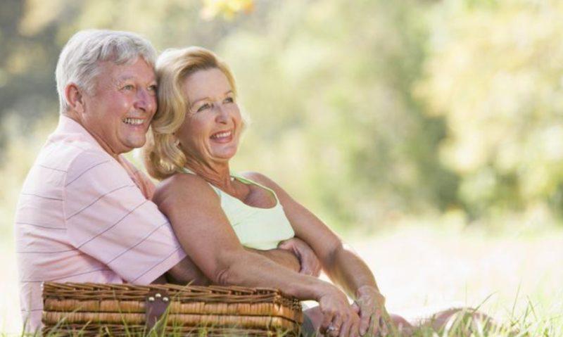 Любому клиенту банка, в том числе пенсионерам, доступно открыть вклад через интернет-банкинг