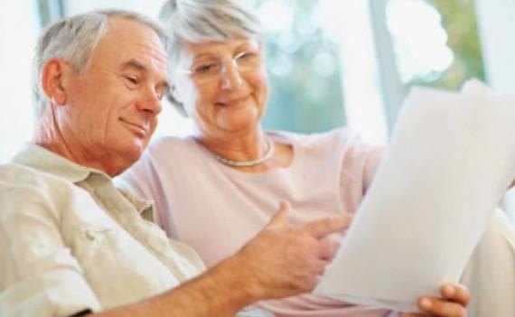 Принять положительное решение о выдаче займа для пенсионера будет быстрее, если он получает пенсию на карту банка