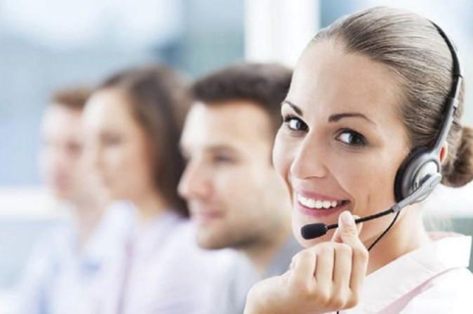 В первую очередь, если банкомат забрал деньги и не зачислил, следует позвонить оператору банка и сообщить о проблеме