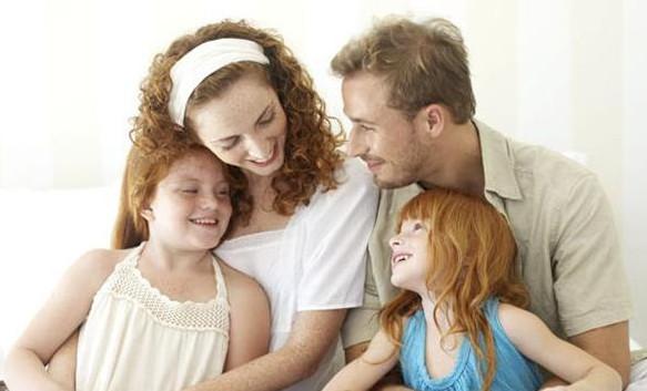Семьям в России можно получить субсидию от государства в виде семейного сертификата или по программе Молодая семья