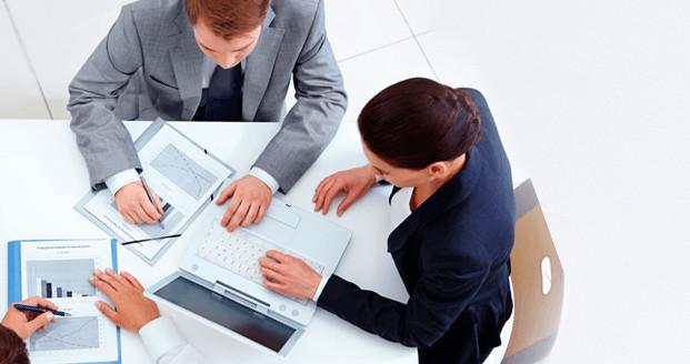 Если деятельность ИП лицензируемая, то в банк необходимо предоставить лицензию на работу