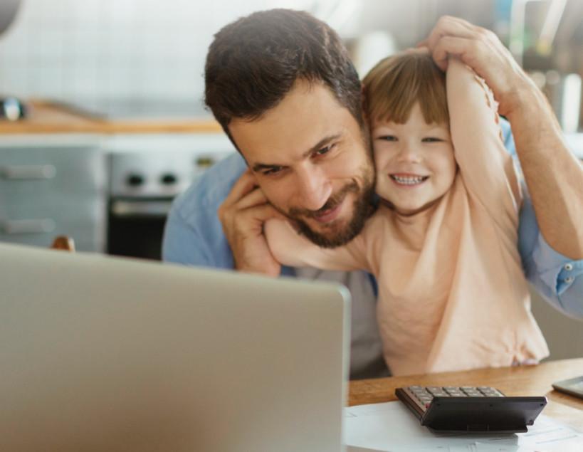 Использовать клиент-банк для проверки баланса можно на любом устройстве, имеющем выход в интернет