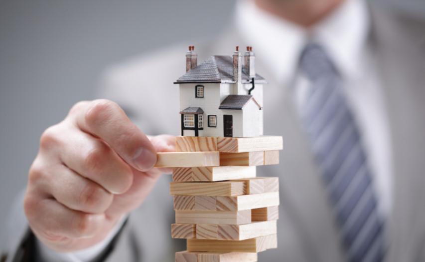 Согласие заемщика на титульное страхование, жизни и имущества значительно влияет на условия кредита. При отсутствии одного из видов ставка повышается на 1, 1,5 и 1,5 % соответственно.