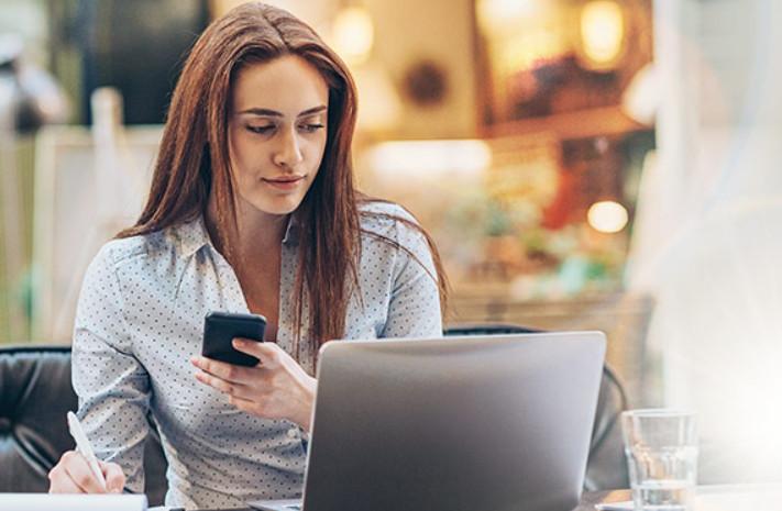 Банковское учреждение предлагает бесплатное обучение кассиров по работе с терминалами и ознакомление с правилами работы платежных системам через Учебный портал. После обучения можно пройти тест и получить сертификат.